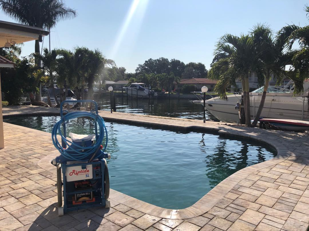 Top Seminole Pool Maintenance and Pool Cleaning Service